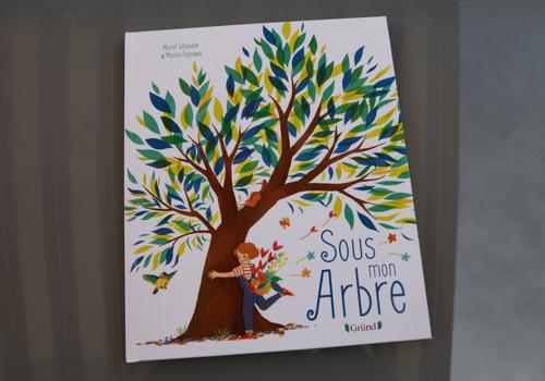 """Album jeunesse """"Sous mon arbre"""""""